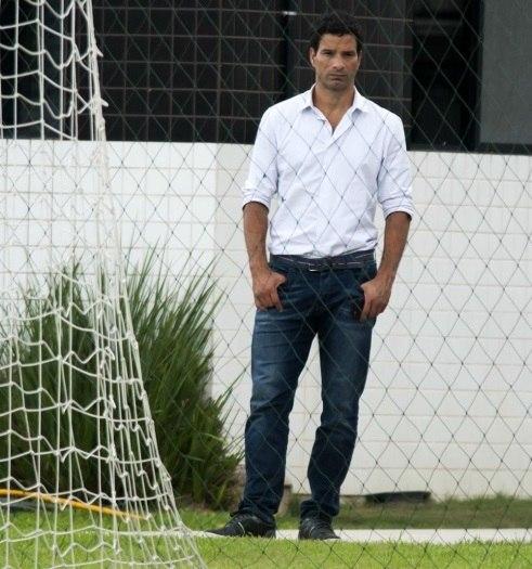 Santos confirma saída do executivo de futebol Gustavo Vieira de Oliveira