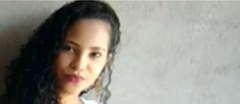 O corpo da adolescente estava em um saco plástico na Avenida Eduardo Fróes da Mota