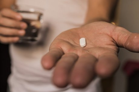 Estudo desmente teorias de que antidepressivos funcionam tão bem quanto placebos