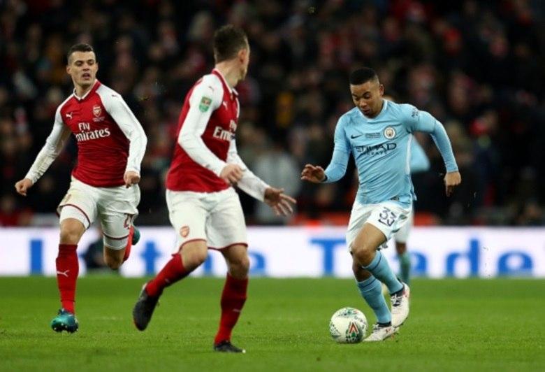 Premier Leagu: Manchester City segue em frente, enquanto problemas do Chelsea continuam