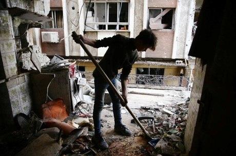 Governo da Síria ordenou blitz sobre rebeldes mas atinge civis