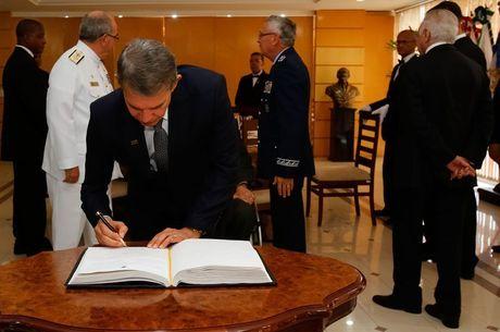 Joaquim Silva e Luna é o novo ministro da Defesa