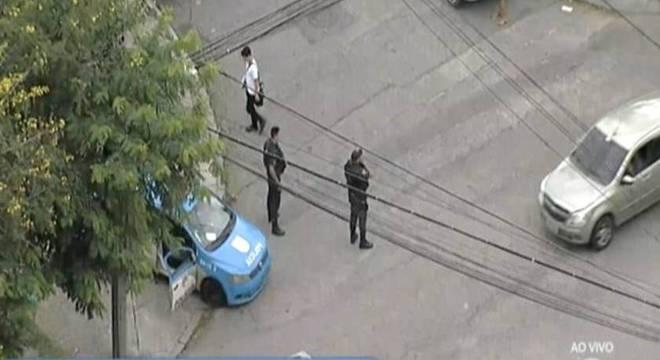 Polícia faz operação no Complexo do Lins nesta segunda-feira (26)