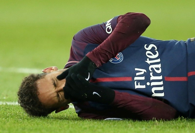c2563fc822 Nova chuteira pode ser  culpada  por lesão de Neymar no Francês - Esportes  - R7 Copa 2018