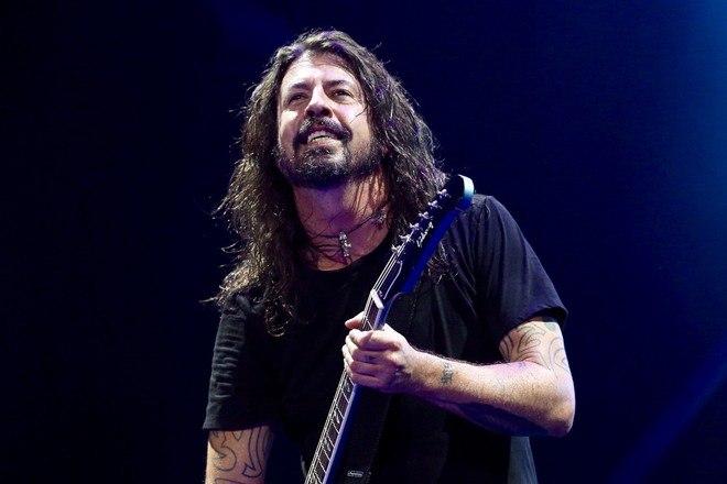 As bandas Foo Fighters e Queens of the Stone Age fizeram a primeira de duas apresentações marcadas em São Paulo, nesta terça-feira (28). E lotaram o estádio Allianz Parque! Os brasileiros da banda Ego Kill Talent fizeram o show de abertura