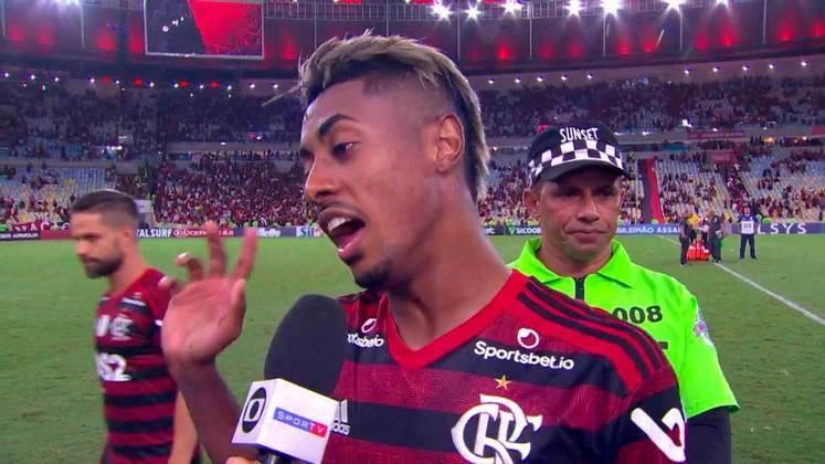 2019 - Após empate por 4 a 4 pelo Brasileirão, Bruno Henrique ironizou o Vasco, que comemorava o ponto conquista: