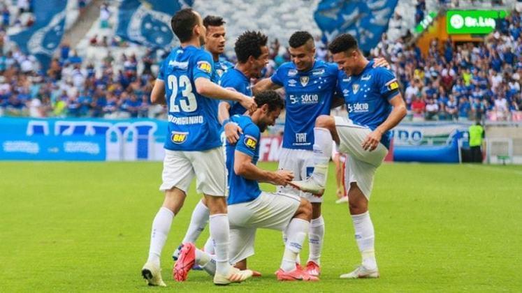 2019 - Cruzeiro rebaixado / Na 9ª rodada estava na 18ª colocação, com 8 pontos