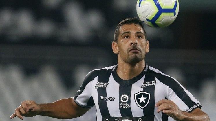 2019 - Diego Souza. Chegou com muita expectativa, mas, apesar de não ter feito uma temporada ruim, também não foi espetacular. Atualmente está no Grêmio.