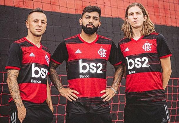 2020 - A camisa promoveu a volta das listras grossas e adicionou trecho do hino oficial (Tua glória é lutar) nas listras vermelhas. A manga é predominantemente preta