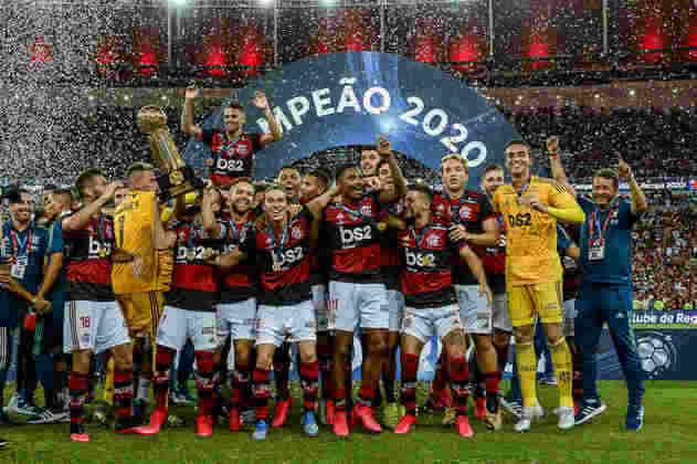 2020 - Com a mesma base da equipe multicampeã, o Flamengo levantou mais três taças no último ano da década: a Supercopa do Brasil a Recopa Sul-Americana, ambas em fevereiro, além do Campeonato Carioca, em julho.