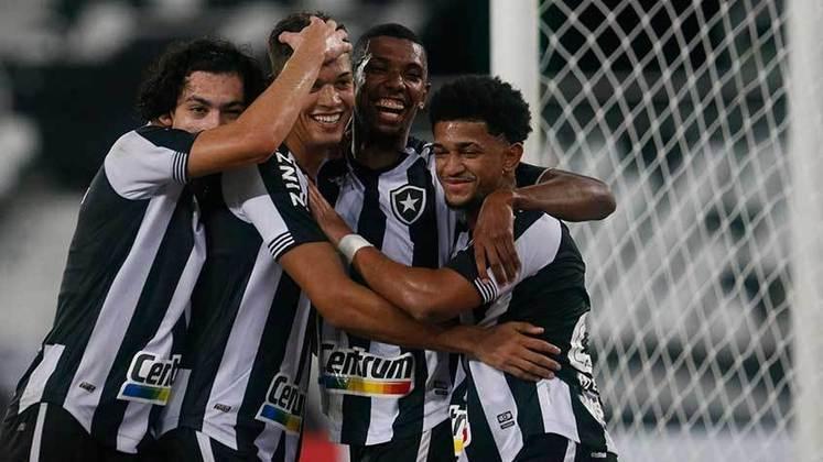 21º - Botafogo: 4 vitórias, 7 empates e 2 derrotas em 13 jogos / 48,7% de aproveitamento