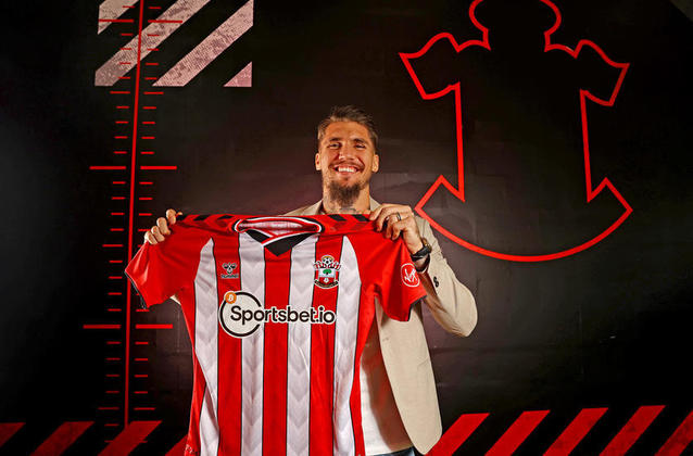 21° colocado - Southampton - 67 jogadores contratados - Última aquisição: Lyanco (7,5 milhões de euros).