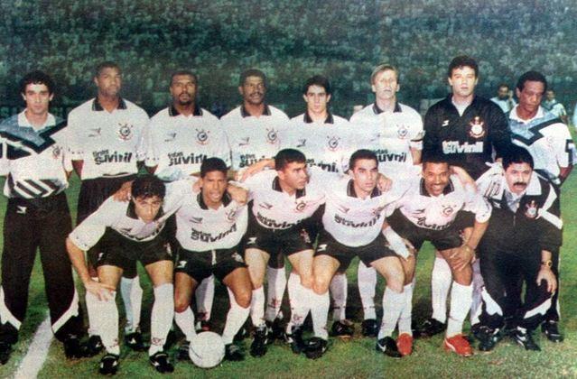 21 de junho de 1995 - Corinthians conquista a Copa do Brasil de 1995 ao bater o Grêmio na decisão.
