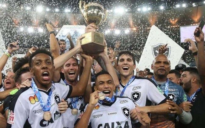 21 títulos - Botafogo - 1907, 1910, 1912, 1930, 1932, 1933, 1934, 1935, 1948, 1957, 1961, 1962, 1967, 1968, 1989, 1990, 1997, 2006, 2010, 2013 e 2018