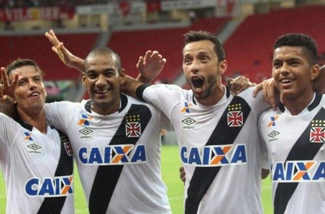 21º - Vila Nova 0x2 Vasco - Série B 2016 - Para confirmar a vitória, o meia cobrou uma falta com categoria, sem chance para o goleiro Edson