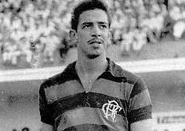 21/07/1960 - Flamengo 9 x 2 Cerro Porteño-PAR - Gols do Flamengo: Henrique (foto) (2), Germano (2), Luis Carlos (2), Dida, Jadir e Carlinhos
