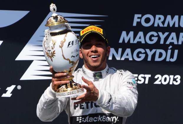 22 - A vitória no GP da Hungria de 2013 marcou a primeira vitória de Hamilton na Mercedes. O início de uma parceria de sucesso