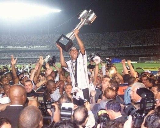 22 de dezembro de 1999 - Corinthians conquista o Brasileirão de 1999 ao bater o Atlético-MG na decisão.