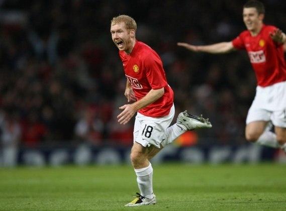 22 –Scholes: atuava como meia e é ídolo do Manchester United, onde conquistou, entre outros títulos, duas Ligas dos Campeões
