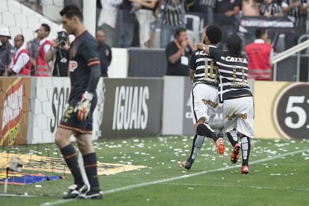 22/11/2015 - Corinthians 6 x 1 São Paulo - 36ª rodada do Brasileirão. Gols: Bruno Henrique, Romero (2), Edu Dracena, Lucca e Cristian (COR)/Carlinhos (SAO)