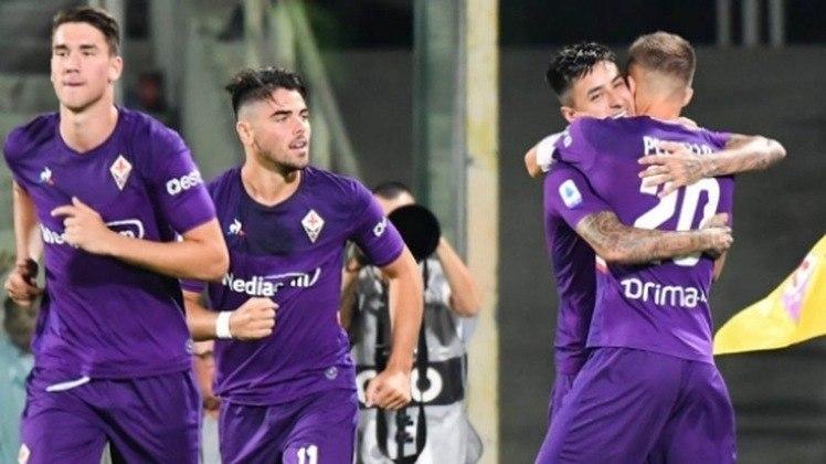 24 - FIORENTINA - Com 556 saídas, a Fiorentina ganhou 611 milhões de euros (cerca de R$ 3,71 bilhões).