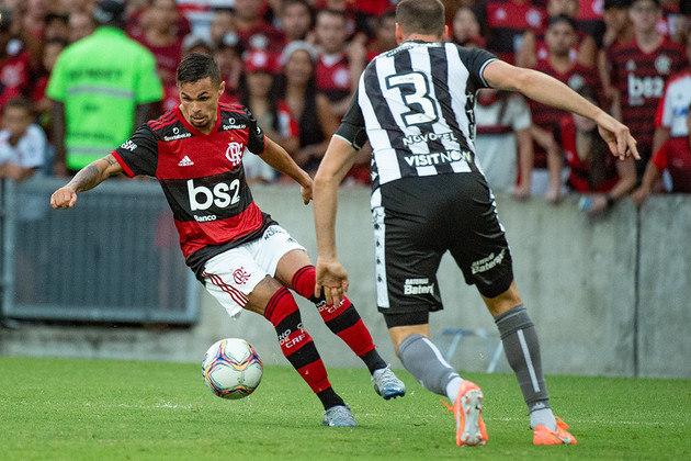 24 – Michael, do Flamengo, também soma 1,1 milhão.
