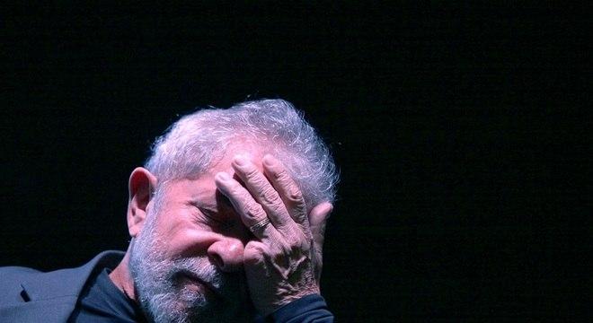 Lula teve o passaporte furtado