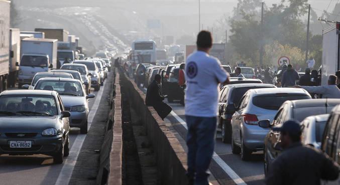 Acidente chegou a causar 24,5 km de congestionamento