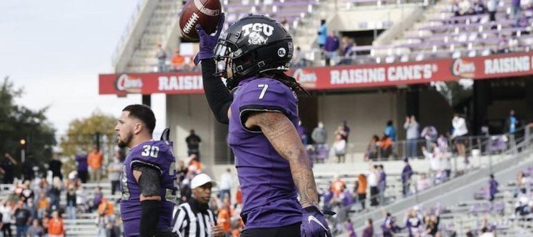 25ª Jacksonville Jaguars: Trevon Moehrig (S/TCU) - O atleta do Texas tem capacidade de jogador tanto mais próximo à linha de scrimmage ou patrulhando o fundo do campo. Moehrig se adapta bem a esquemas em split safety ou 1-hi, sendo uma arma para disfarçar coberturas.