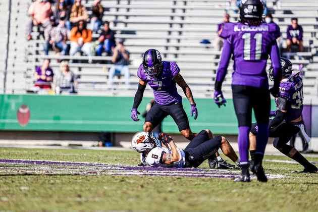 25º Jacksonville Jaguars (via Rams) - Trevon Moehrig (S/TCU): Alto, atlético e com capacidade de fazer múltiplas funções na secundária. Moehrig pode patrular o fundo do campo, assim como marcar recebedores ou fechar buracos contra o jogo corrido.
