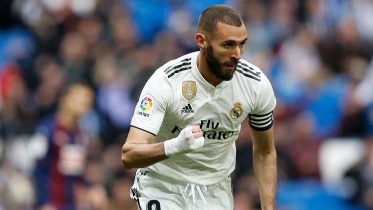 25. Karim Benzema - 176 assistências em 740 jogos. São os números do atacante francês do Real Madrid.