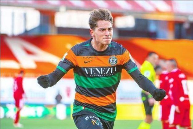 25º: Sebastiano Esposito - Venezia (emprestado pela Inter de Milão)