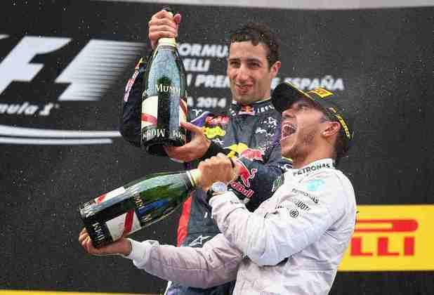 26 - Em uma sonolenta corrida, Lewis Hamilton venceu o GP da Espanha de 2014