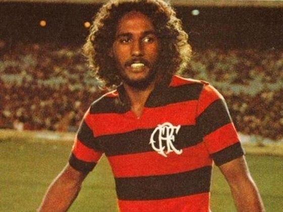 26/05/1977 - Flamengo 7 x 1 Volta Redonda - Gols do Flamengo: Luisinho Lemos (foto) (3), Zico (2), Carpegiani e Osni