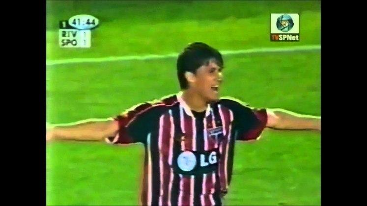 26/11/2003 – River Plate 3×1 São Paulo (Copa Sul-Americana 2003) - O atual técnico dos Millonarios, Marcelo Gallardo fez dois dos três gols dos argentinos. Barrado marcou o terceiro e Gustavo Nery descontou.