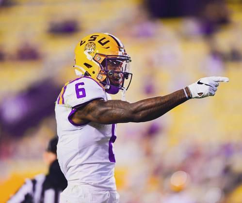 27º Baltimore Ravens - Terrace Marshall Jr. (WR - LSU): Lamar Jackson precisa de mais armas no jogo aéreo, para tornar o ataque mais imprevisível. Marshall é