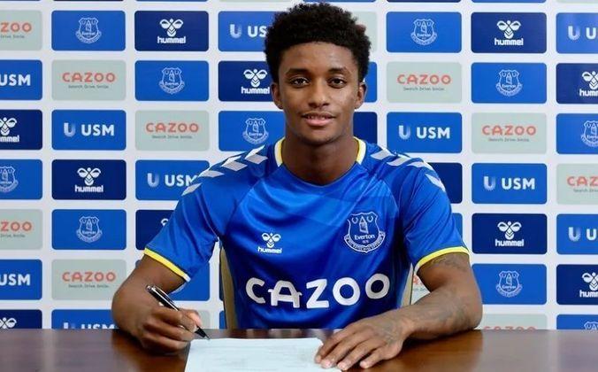 27° colocado - Everton - 67 jogadores contratados - Última aquisição: Demarai Gray (2 milhões de euros).