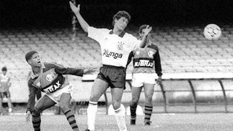 27 de janeiro de 1991 - Corinthians conquista a Supercopa do Brasil de 1991 ao bater o Flamengo na decisão.