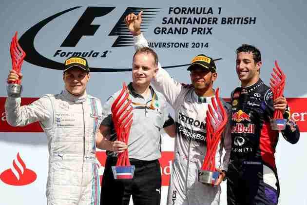 27 - Lewis Hamilton, depois de longa espera, voltou a vencer o GP da Inglaterra de 2014, com Valtteri Bottas e Daniel Ricciardo completando o pódio
