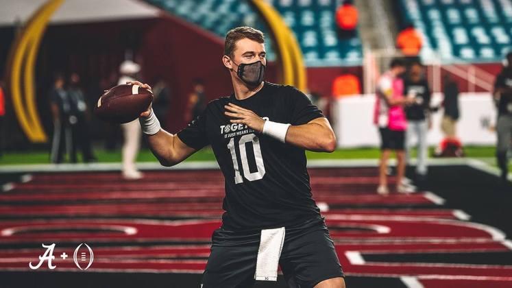 28ª New Orleans Saints - Mac Jones (QB - Alabama): Com a provável aposentadoria de Drew Brees, New Orleans precisa encontrar soluções para o seu futuro na posição de quarterback.