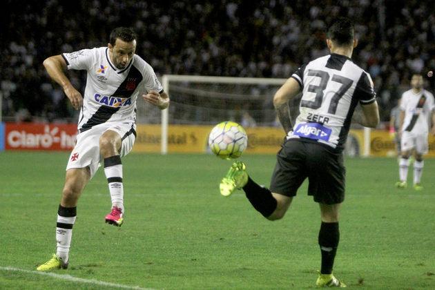 29º - Vasco 2x2 Santos - Copa do Brasil 2016 - Após perder na Vila Belmiro por 2 a 0, o time necessitava rever o placar. aos 24 minutos do primeiro tempo, Junior Dutra  cruzou na área e Nenê marcou. No fim, a partida terminou empatada e a equipe carioca deixou a competição nacional