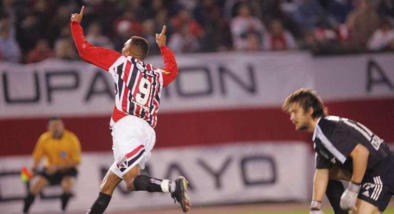 29/06/2005 - River Plate 2 x 3 São Paulo (Libertadores 2005) - A última vitória do São Paulo na Libertadores jogando em solo argentino. Danilo, Amoroso e Fabão colocaram o Tricolor na final da competição.