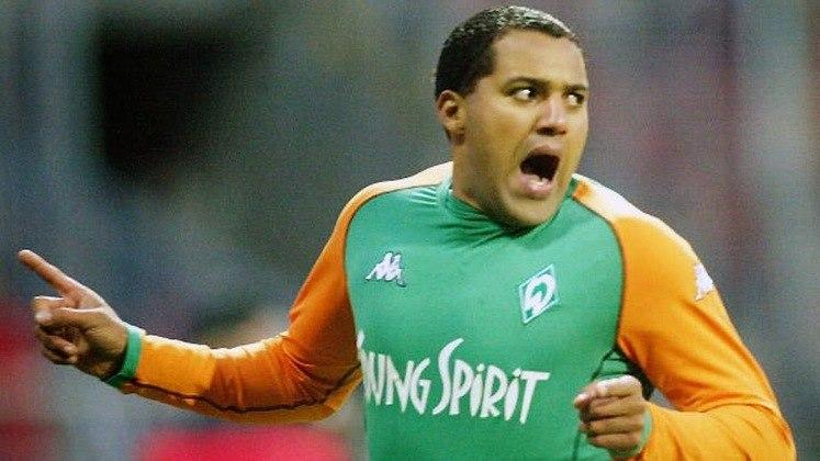 3º - Aílton - 98/2008 - 106 gols em 2019 jogos