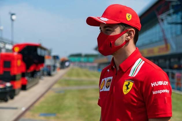3) Charles Leclerc renovou contrato com a Ferrari e subiu na lista de salários, agora recebendo £ 10,19 milhões por ano (R$ 76,3 milhões)