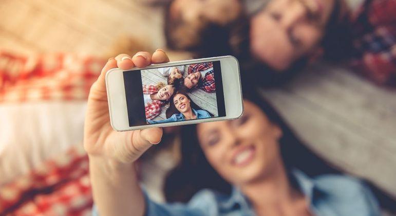 3 dicas para fazer fotos profissionais em casa usando apenas o celular
