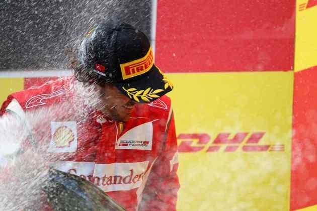3º) Fernando Alonso reagiu na corrida e completou o pódio. Mas passaria 2011 sem brigar pelo título contra Vettel