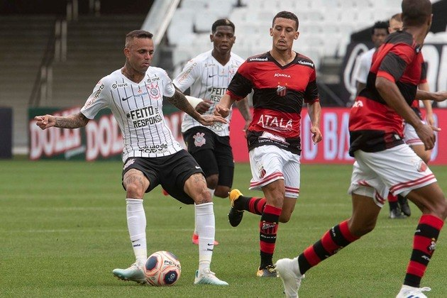 3) Luan - Corinthians - 21 assistências para finalização (10 jogos)