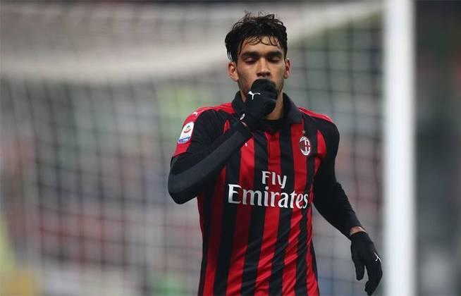 3 - Lucas Paquetá foi vendido pelo Flamengo em 2018 . O Milan pagou 38,4 milhões de euros pelo volante.
