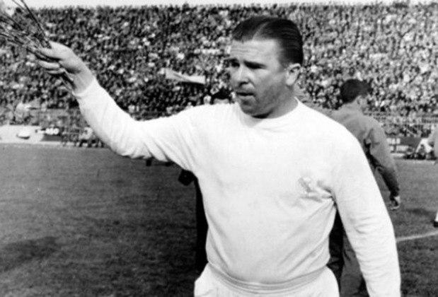 3 – Puskas - A média de Puskas é maravilhosa. Com 89 jogos pela Hungria, anotou 84 gols. Foi vice-campeão mundial em 1954