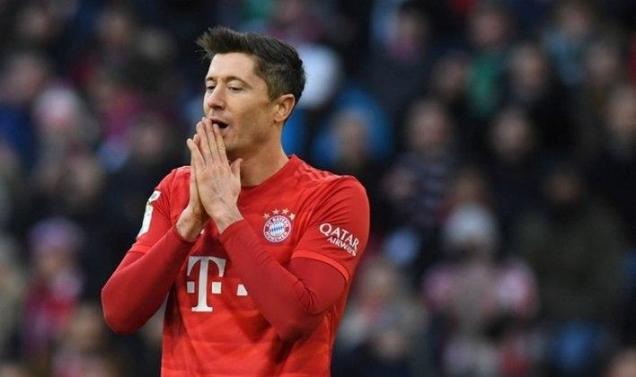 3 Robert Lewandowski - 0.73 gols por jogo (345 gols em 472 jogos)
